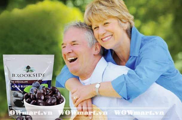 Công dụng của kẹo Chocolate đen nhân quả việt quất Acai & Blueberry