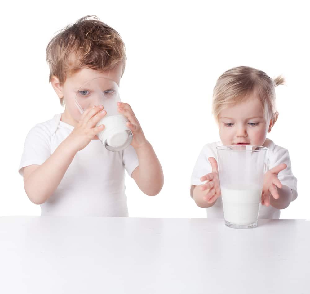 Sữa bột dành cho trẻ 2 tuổi Aptamil Profutura Step 4 900g