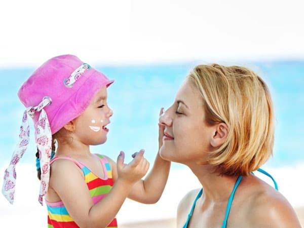 Kem chống nắng cho trẻ em Neutrogena Pure & Free Baby Sunscreen Lotion SPF 50 88ml