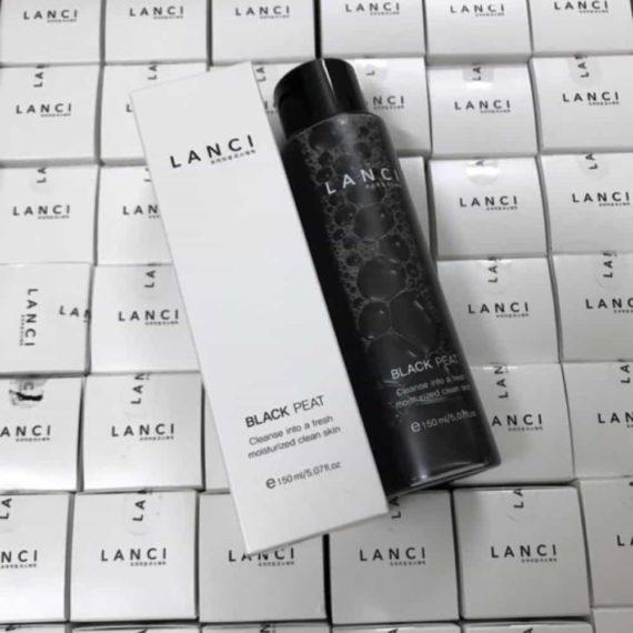 Nước tẩy trang chiết xuất than hoạt tính Lanci Black Peat 150ml