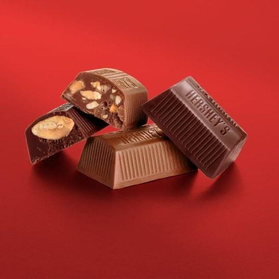 Socola bơ sữa hạnh nhân Hershey's Nuggets Extra Creamy Milk Chocolate Toffee Almonds 299g