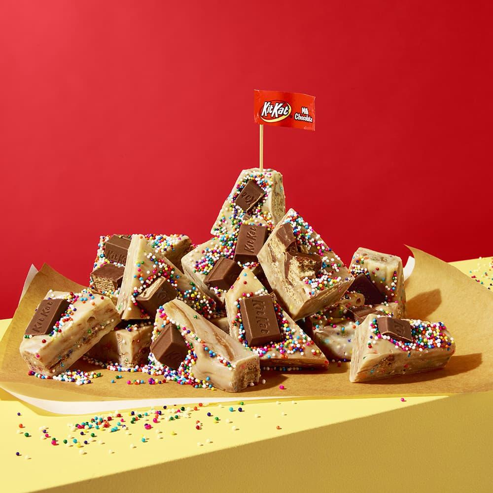 Socola Kit Kat Crisp Wafers Milk Chocolate 305g