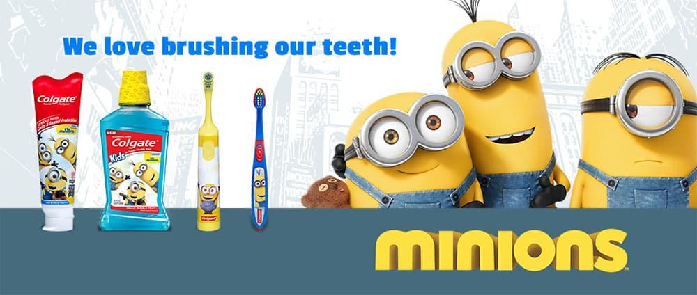 Bàn chải đánh răng trẻ em Colgate Minions màu cam