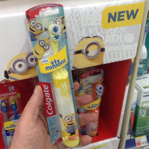 Bàn chải đánh răng trẻ em Colgate Minions dùng pin (màu vàng)