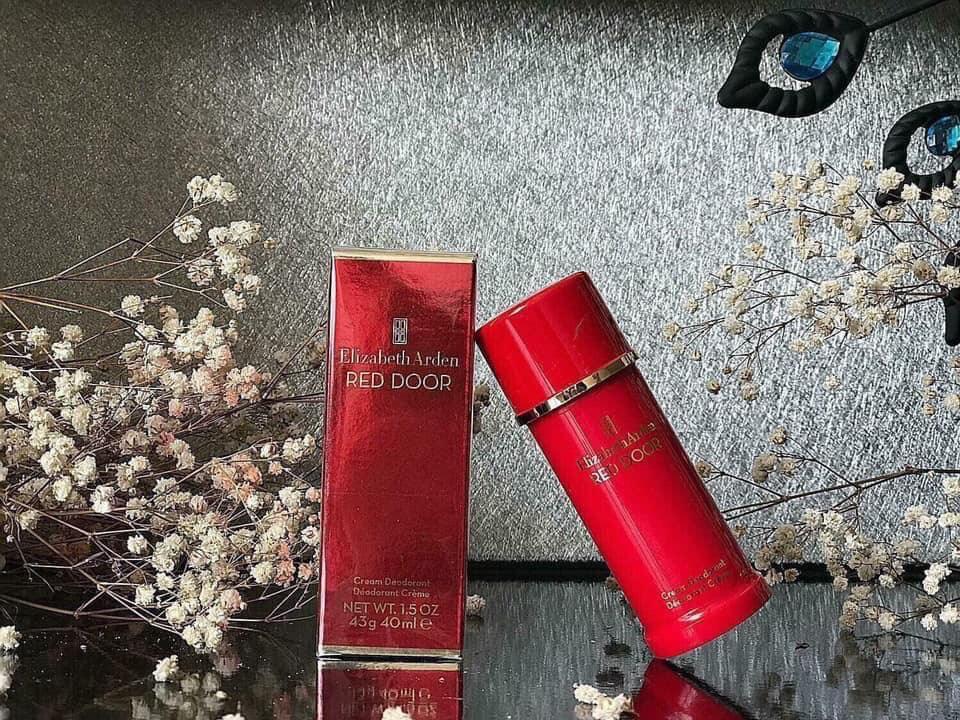 Lăn khử mùi Elizabeth Arden Red Door Cream Deodorant 40g