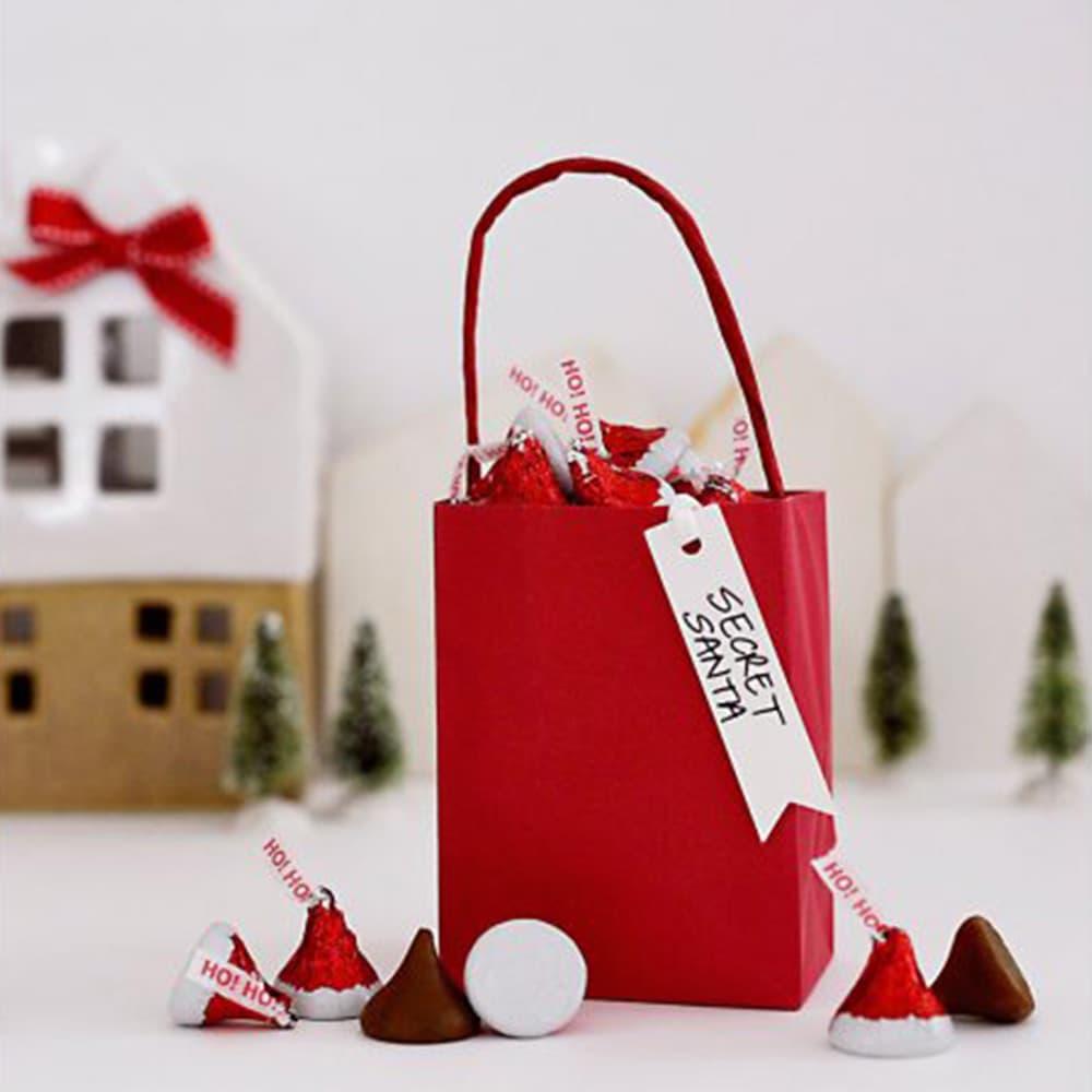 Socola Kisses Noel Hershey's Kisses Chocolate Santa Hat 1.47kg